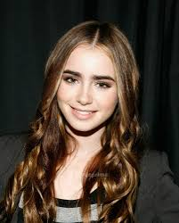 lily collins 2.jpg
